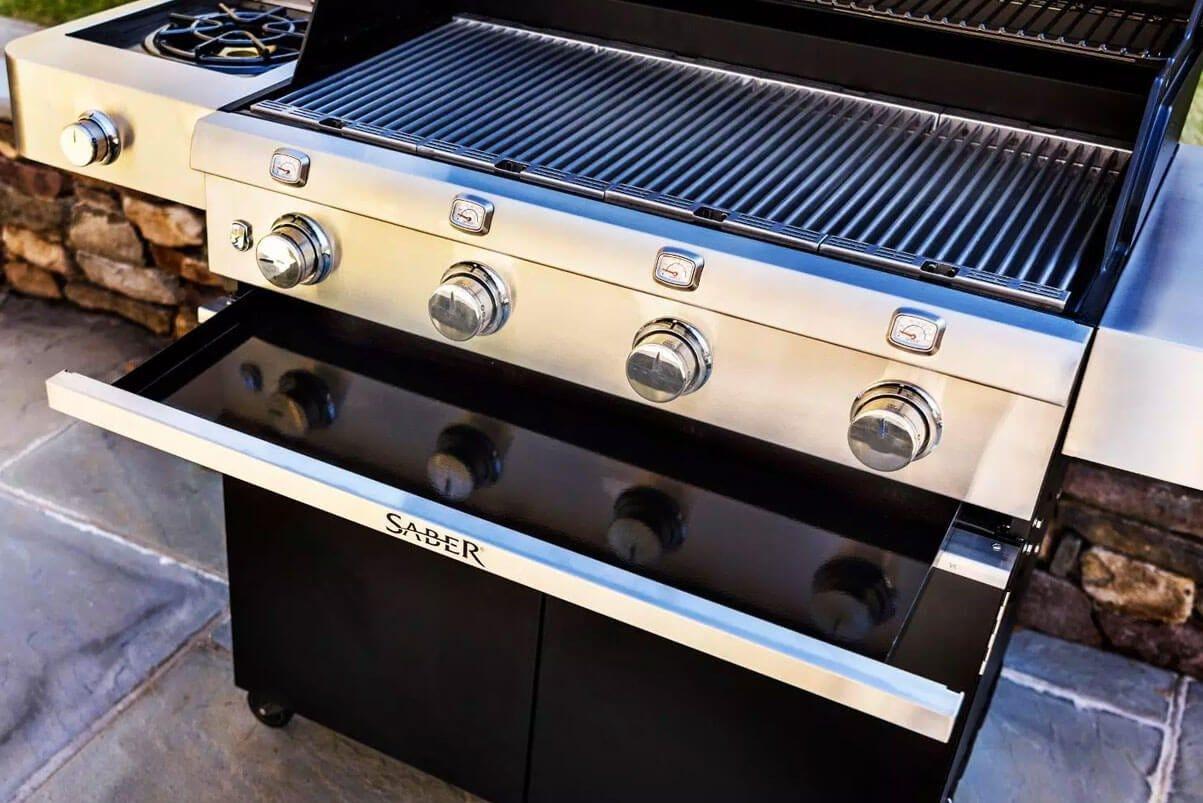 Cast Black 670 4-Burner Propane Gas Grill